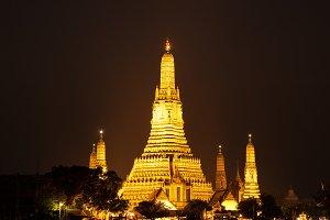 Wat Arun at night.