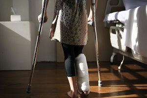 Caucasian girl with broken leg