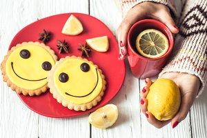 hot tea with lemon in hand