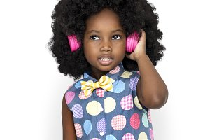little girl listening to music (PNG)
