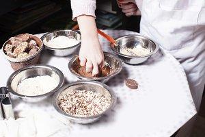 Little chef prepare chocolates