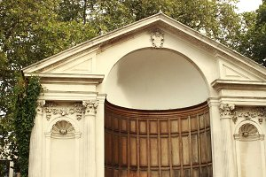London • Theater Arch