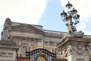 London • Buckingham Palace Gates