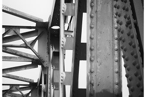 Bridge supports with rivets