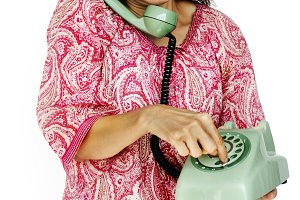 A woman using telephone (PNG)
