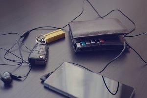 Phone, wallet and car keys 5