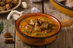 Goulash soup with croutons