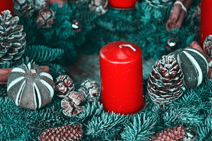 Retro Advent Wreath with red candle