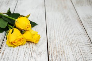 Yelow roses