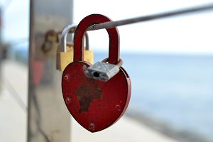 padlock with heart form