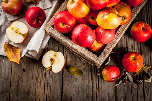 Autumn raw red apples