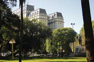 Buenos Aires • Building Trio