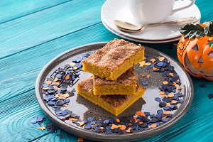 Pumpkin blondies for Halloween holiday