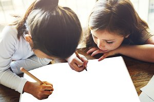 Kids writing paper (PNG)