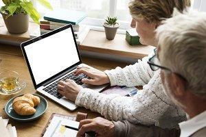 People using laptop (PNG)