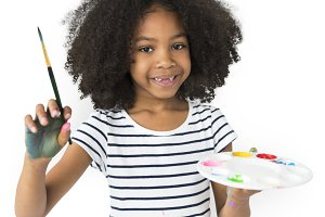 Little Girl Hold Colors plate (PNG)