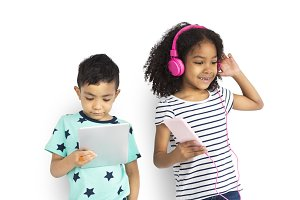 Boy & Girl Listen Music (PNG)
