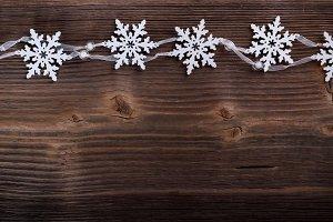 Artificial snowflakes