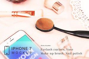 Cosmetic iPhone 7 Mockup