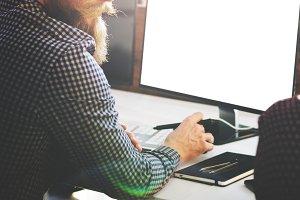 Man using computer(PNG)