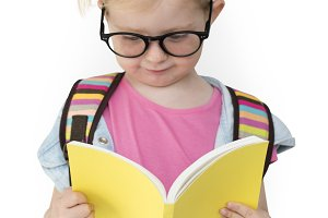 Little Girl Read (PNG)