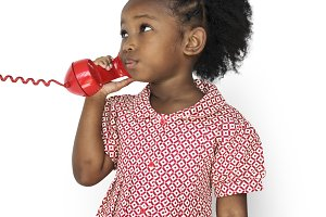Girl Talking on the Phone (PNG)