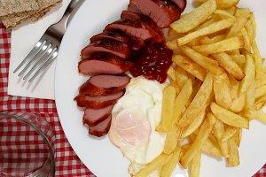 French potatoes, egg and sausage