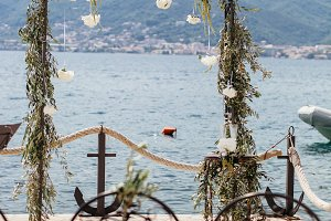 destination wedding arch with flower