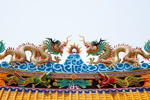 Dragon statue roof.