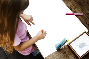 Kid Drawing (PNG)