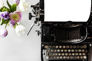 Retro Typewriter Machine (PNG)