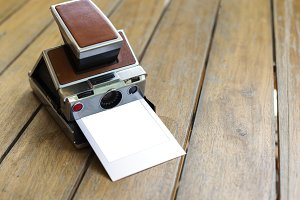 Retro instant photo camera(PNG)