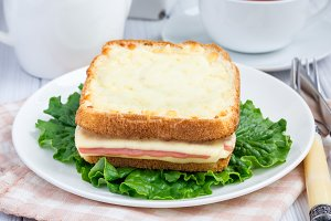 French toasted sandwich Croque monsieur