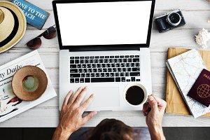 Laptop Internet Concept (PNG)