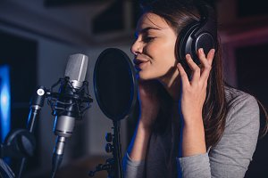 Female vocal artist singing