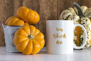 Mug mockup - pumpkin theme