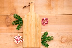 Cutting board with Christmas cookies