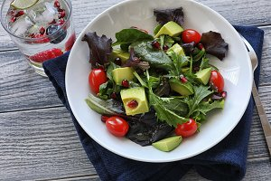 Salad with tomato baby lettuce