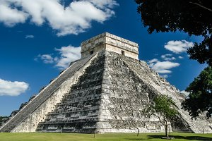 Pyramid of Kukulkan in Chichen Itza maya city, Yucatan Mexico
