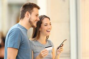 Couple buying on line