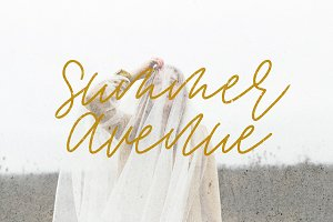 Summer Avenue Font Set