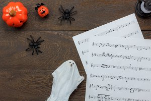 Top view Halloween & music note