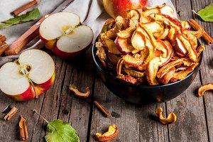 Homemade crispy apple chips