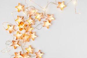 Star-shaped light garlands