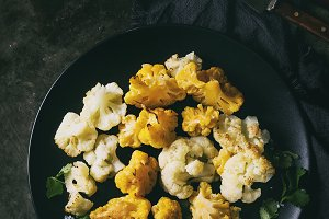White and yellow cauliflower gratin
