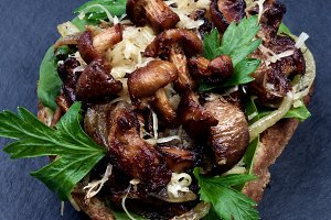 Crostini with Mushrooms Chanterelles