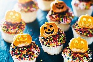 spooky pumpkin halloween cupcakes