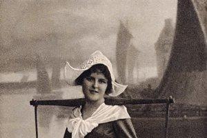 Duch woman, 1910