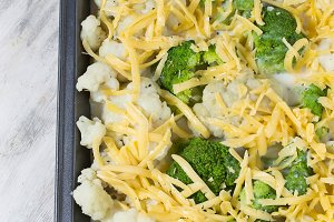 Cauliflower and broccoli gratin with