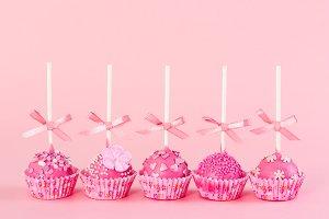 Five romantic cake pops